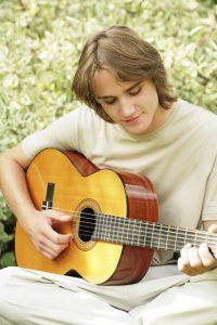rsz_11rsz_1rsz_young_man_guitar
