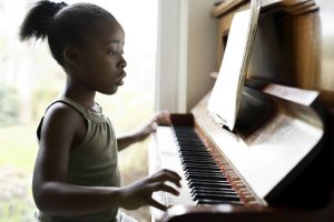 rsz_1rsz_kid-piano